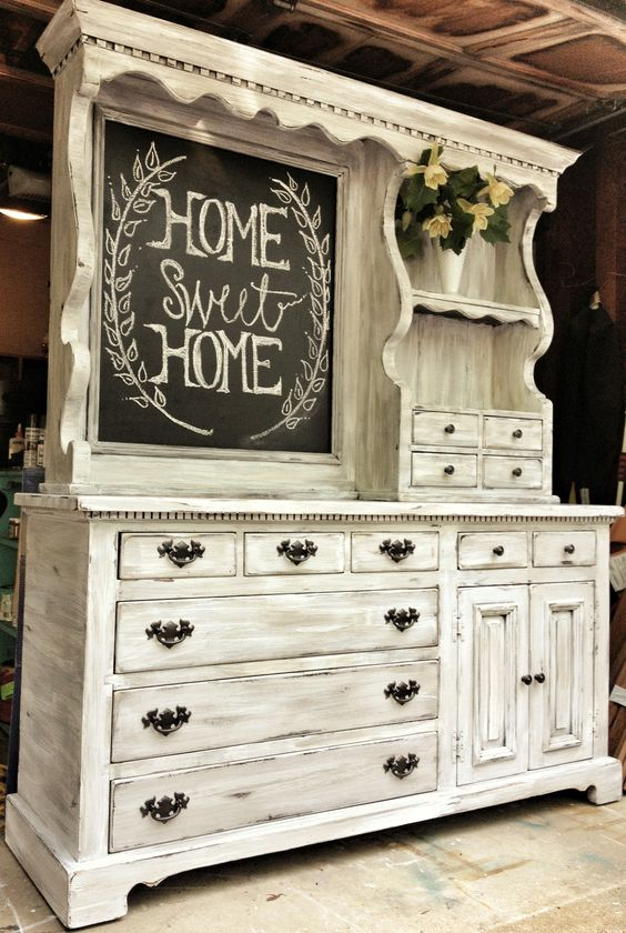 Vintage hutch makeover from Suburban Restyled | Angie Builds a House